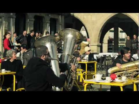 Banda Musical Pevidém - Pirates of the Caribbean Flashmob