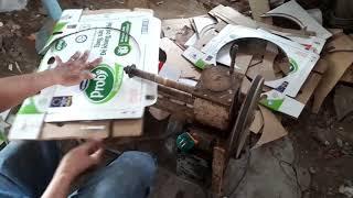 Máy cắt giấy làm đế hộp bánh kem hình tròn [ Paper cutting machine makes round cake box base ]