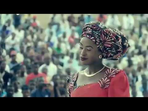 Download Umar m shariff and nafisa Abdullahi live performance in Katsina