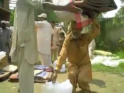 Distributing aid in Pakistan