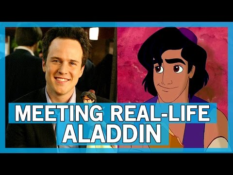 Meeting Scott Weinger, the voice of Aladdin!  Thingamavlogs
