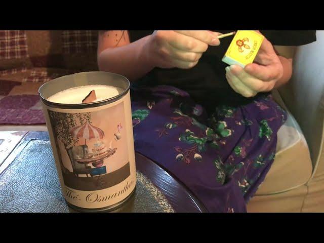 Allumer une mèche de bougie en bois non traité