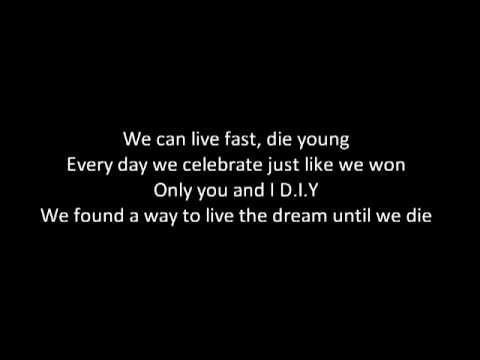 [LYRICS] Icona Pop - We Got The World [HD] (Pitch Perfect 2)