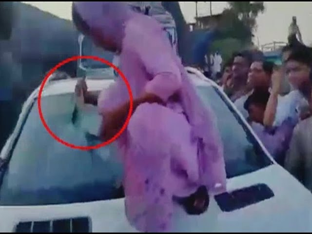 Viral Video: Gunner of SP leader winked and the victim took revenge by breaking the car glass