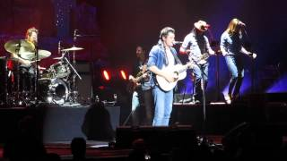 John Mayer - Queen of California - Born and Raised Tour 2013 Camden NJ (Live)