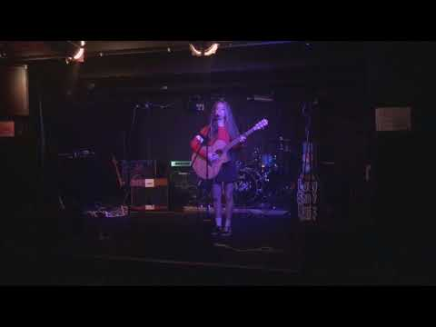 Lucy Shaw - Inside Your Head - Live