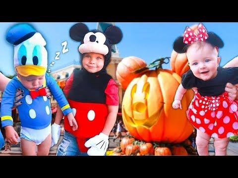 DISNEYLAND GROUP HALLOWEEN COSTUMES FOR KIDS! ???  sc 1 st  YouTube & DISNEYLAND GROUP HALLOWEEN COSTUMES FOR KIDS! ??? - YouTube