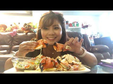 Cuộc sống Canada _Ăn Càng Cua Đá (eating stone crab claws)