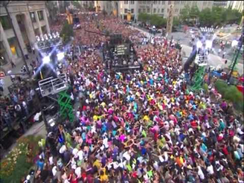 IMPRESSIONANTE! Black Eyed Peas 20 mil fãs faz espetaculo ao vivo com I Gotta Feeling