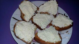 Бутерброды с сыром и чесноком. Острые бутерброды с чесноком. Бутерброды с плавленым сыром.