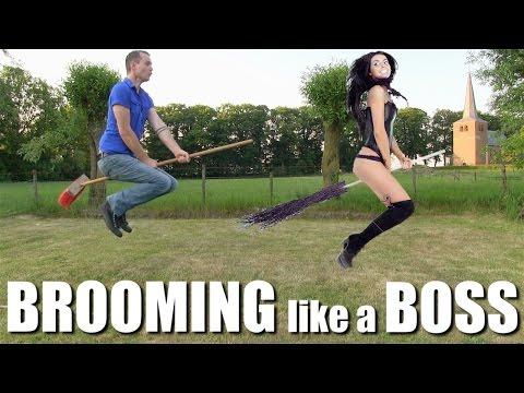 ほうきについたゴミをラクに落とせるちりとり「broom Groomer」を使ってみた Doovi