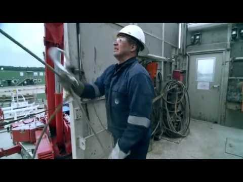 A drilling rig in action: construction, drilling and dismantling