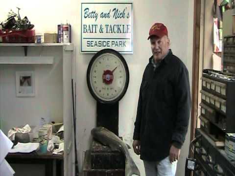 12-18-11 Jim Gesser 14 Pound Bass.MOD
