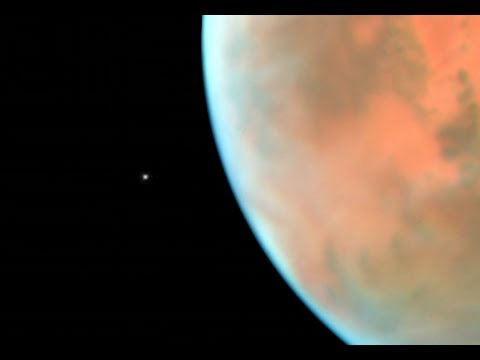See Hubble's View of Phobos and Mars in This Amazing Time-Lapse