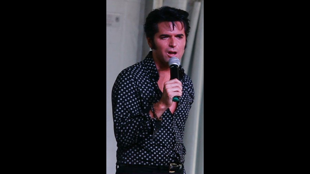 Elvis singing sweet caroline