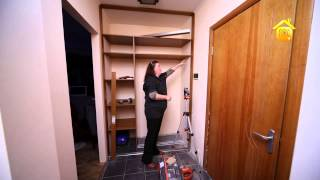 видео Как сделать встроенный шкаф купе своими руками