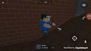 Играем в Block Strike.