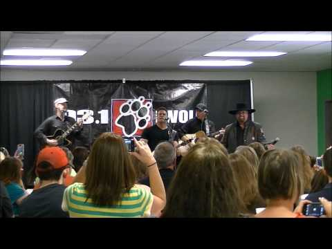 Live in the Wolf's Den with Montgomery Gentry