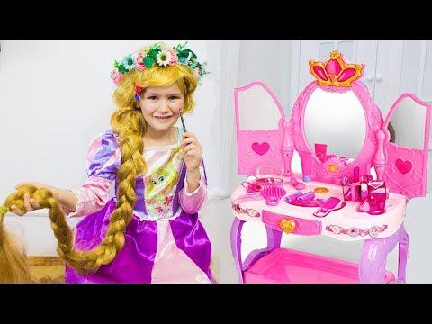 РАПУНЦЕЛЬ как принцесса собирается на бал Играем в салон красоты