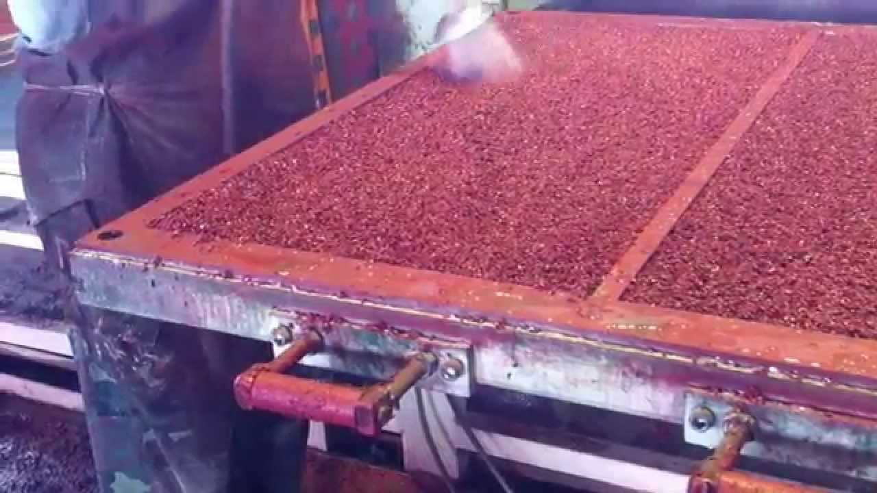 Производство резиновой плитки - YouTube