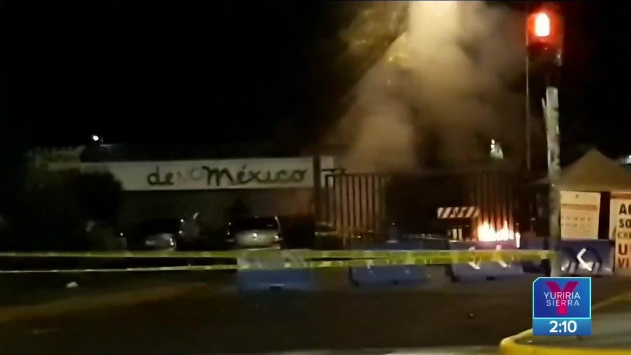 Vandalizan encapuchados instalaciones de la UNAM | Noticias con Yuriria Sierra