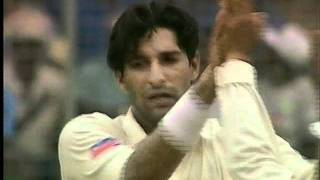 Download Video WASIM AKRAM - HIS SCARIEST FASTEST BALL EVER...BRUTAL YORKER, KILLS THE STUMPS MP3 3GP MP4