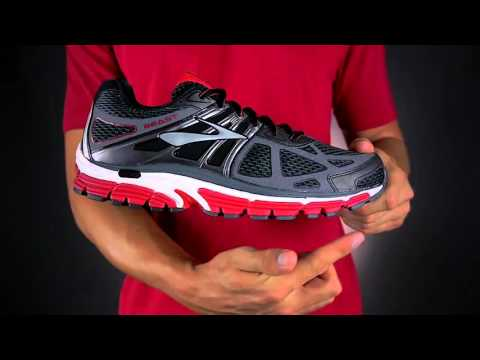ab15abdd280e8 Fit Expert Review Men s Brooks Beast 14 - YouTube