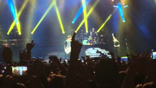 All Time Low - Dear Maria, Count Me In (Live at Back To The Future Hearts Tour - Glasgow)