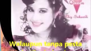 Video Dangdut 17 Tahun Elvy Sukaesih - Lagu Lawas (Video Klip) download MP3, 3GP, MP4, WEBM, AVI, FLV Oktober 2017
