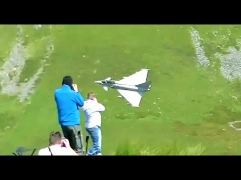 Low Fly Military Aircraft - Mach Loop, Wales