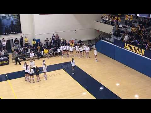 Umich DJ Nicole Myint-Michigan Volleyball Vs MSU. Syndey Vs Ellie Dance Off