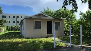 House for sale in Miami 33142