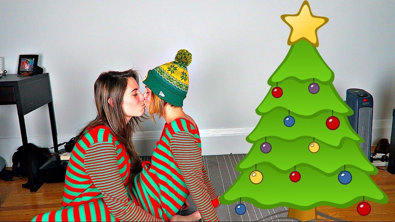 CHRISTMAS COUPLES YOGA CHALLENGE!! - YouTube