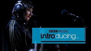 Baixar Sink Ya Teeth - Complicated (BBC Music Introducing session)