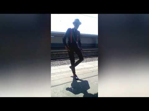 Mpho Seoko dancing to Tumza D'Kota Jozi Flavour