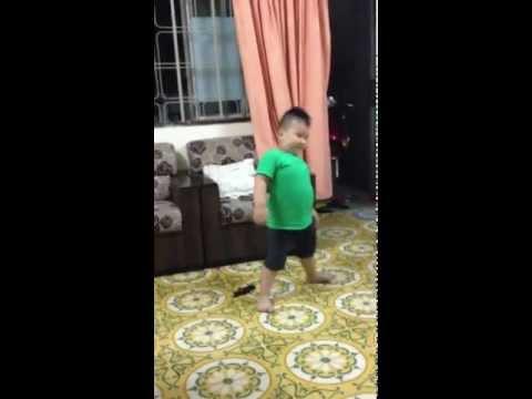 Kevin nhảy Mắt nai cha cha cha... trình nhảy càng ngày càng cao
