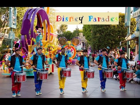 Disney Parades comparison - Disneyland California vs Walt Disney World Florida
