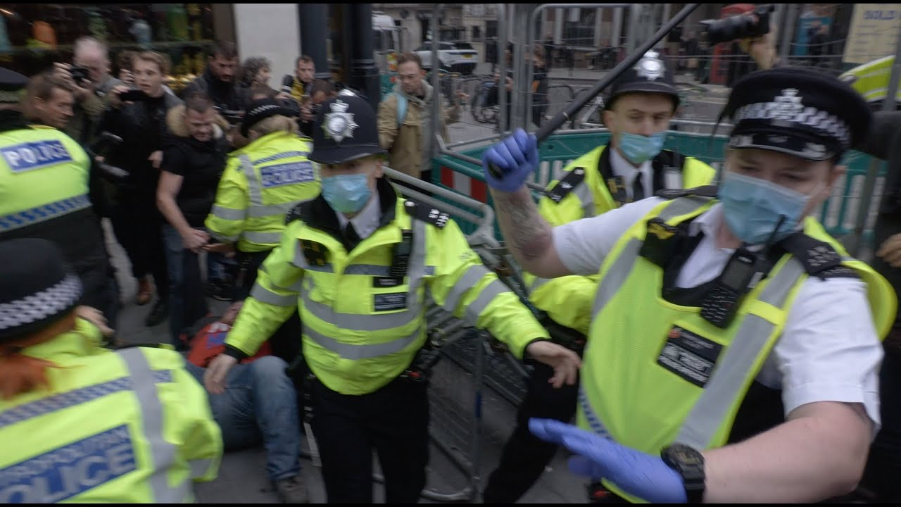 Batons out as UK police CLASH with protesters during London anti-lockdown protest
