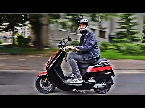 Tech Show #9: Szybki skuter, bardzo szybka hulajnoga (80km/h) i człowiek z wiadrem na głowie