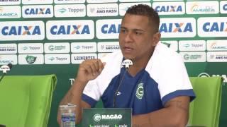 Walter fala da forma física e cobra ambiente bom no Goiás em 2017