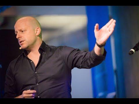 A short interactive keynote impression by Ramon Vullings - ideaDJ: cross-industry innovation