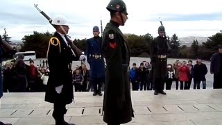 Anıtkabir'de Saygı Nöbetçileri Nöbet Değişimi...
