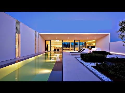 Unique Ultra-Modern Italian Luxury Pool Villa in Lido di Jesolo, Venice (Italy)