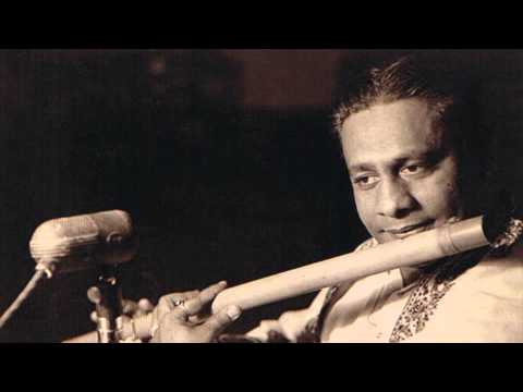 Pt.Pannalal Ghosh plays raag Shuddha-Basant on flute