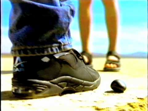 55f0d692ca5 LA Gear Shoes Light up -- Early 90s Commercial - YouTube