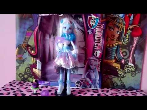 Monster High Ghouls Rule Abbey Bominable Review!!!