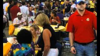 Taste of the Tiger Tailgating Baton Rouge, Louisiana - LSU FIGHT SONG Remix