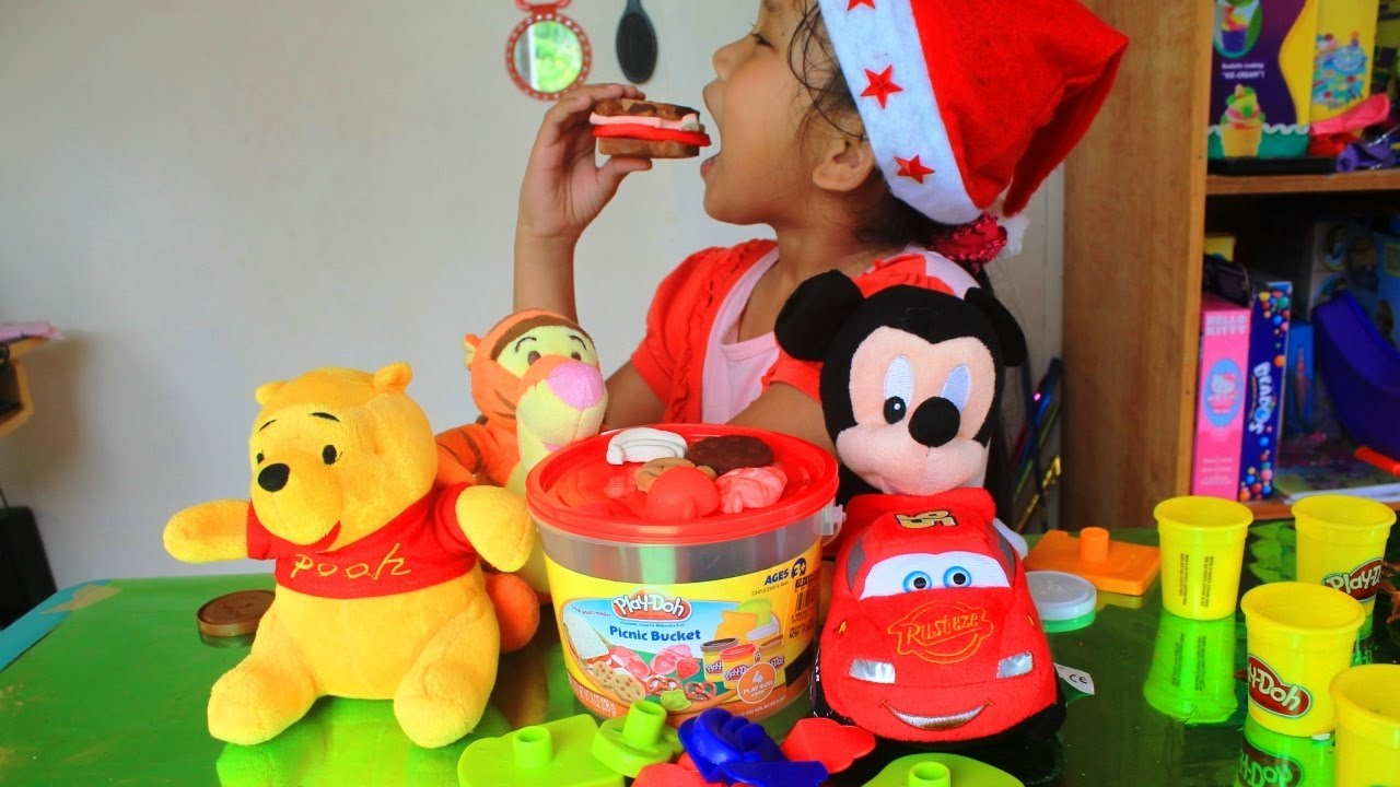 Play-doh Picnic Bucket Playset Cookie, Sandwich, Fruit Play Dough - Merry Christmas
