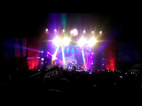 Slank live stadion Kridosono Jogja - Bimbim jangan menangis