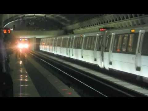 WMATA (Metrorail): Blue (BL) / Orange (OR) Lines @ Farragut West
